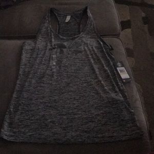 Women's Under Armour tank top, size M, NWT!